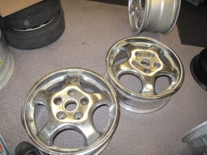 2 chrome Porsche wheels